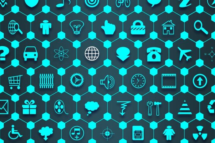 """, il fenomeno delle IoMT, Internet of Medical Things, con il quale si fa riferimento a tutti quei dispositivi, magari connessi, per esempio, ai letti degli ospedali, che consentono la raccolta dati del singolo paziente e la sua """"connessione"""" con il sistema sanitario."""